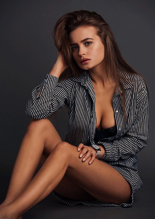 Christina S8
