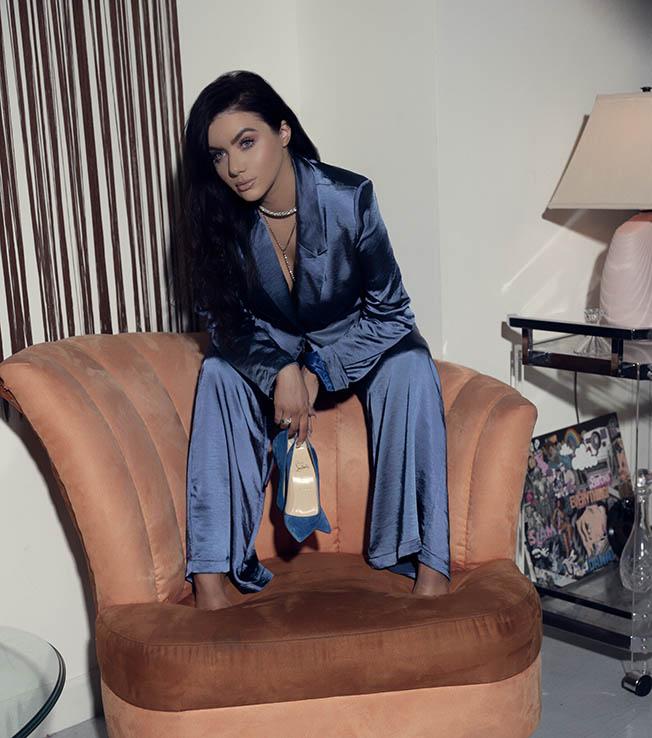 Amanda (Blue)26593